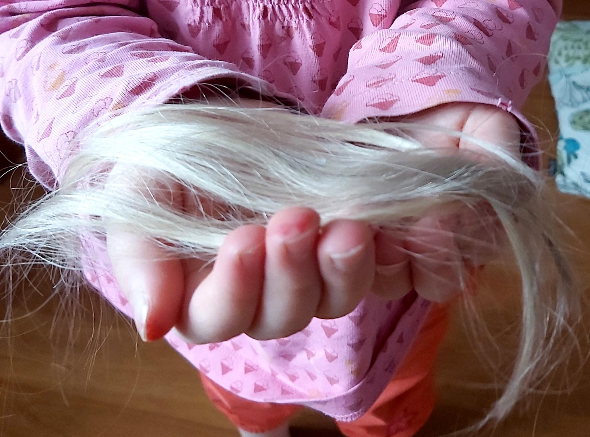Tee-se-itse hiukset